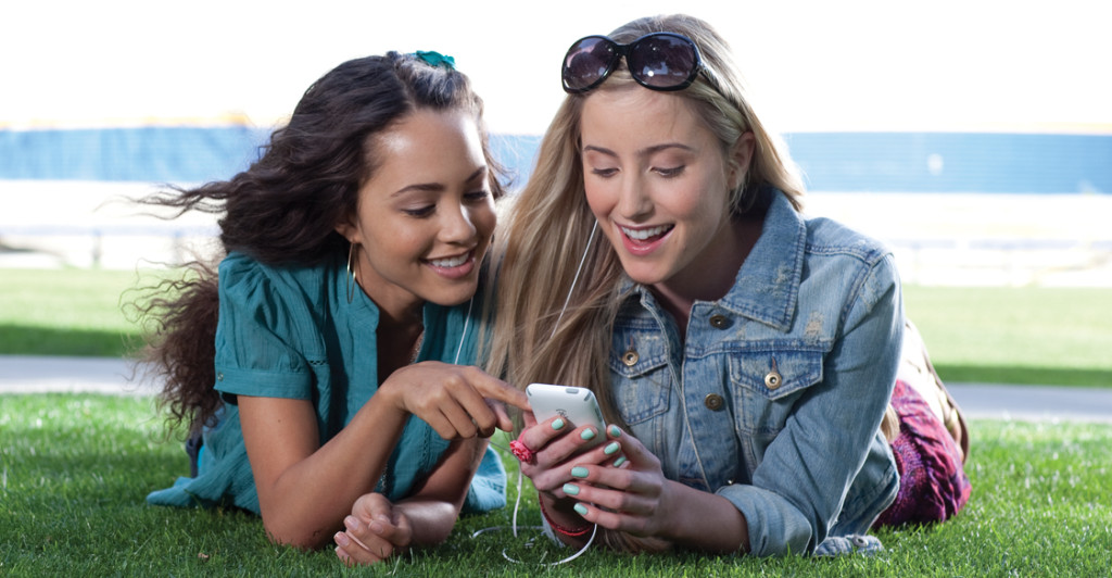 """Boosting Your Teen's """"Selfie"""" Confidence"""
