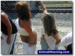 amtrak-mooning-picture-small