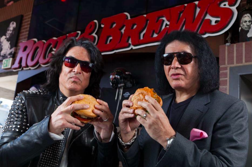 Gene Simmons and Paul Stanley spread some holiday cheer with free food and drinks