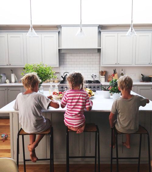What happened to daily family dinner? Bring the tradition back with New York Times best-selling author Stephanie Allen