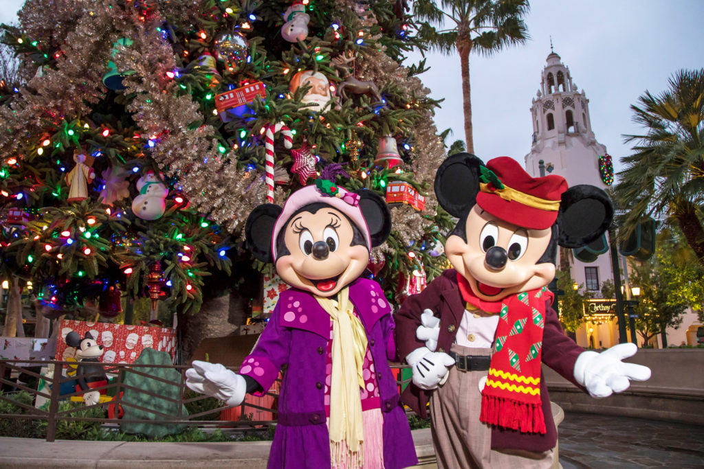Disneyland Resort Celebrates the Most Magical Time of the Year as the Holiday Season Returns