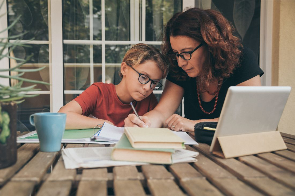 TEN TIPS FOR PARENTS NAVIGATING THE NEW REALITIES OF ONLINE EDUCATION