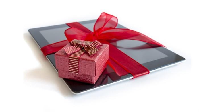 "5 Ways to ""Tech the Halls"" this Holiday Season"