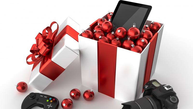 The hottest holiday gifts for the techie in your life with digital lifestyle expert Mario Armstrong