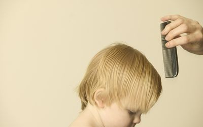 How to prevent and treat head lice this school year
