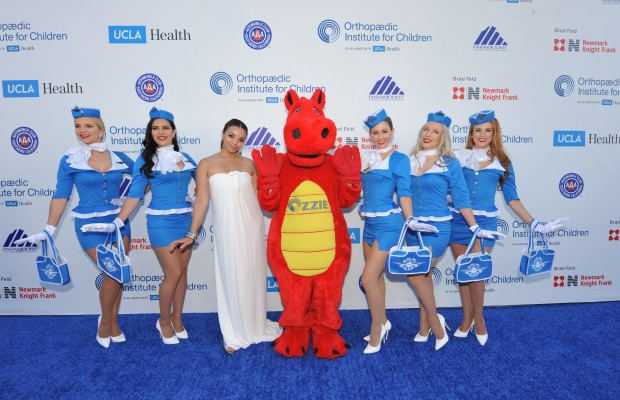 Third Annual Stand for Kids Gala takes flight with airplanes and celebrities