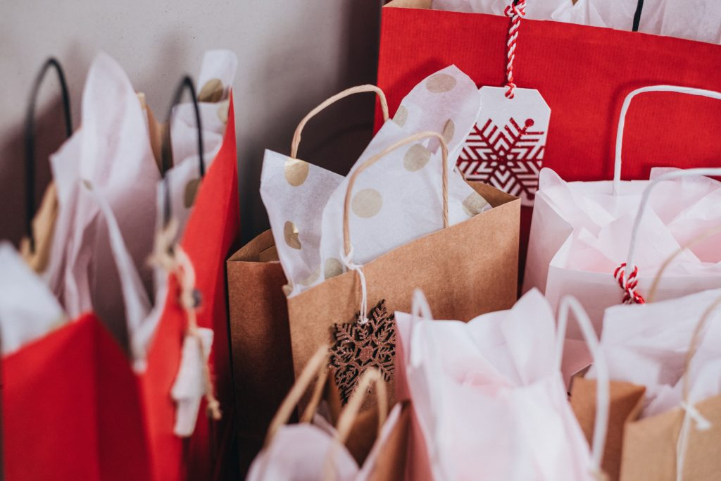 Holiday Shopping Tips: How to find the perfect gift