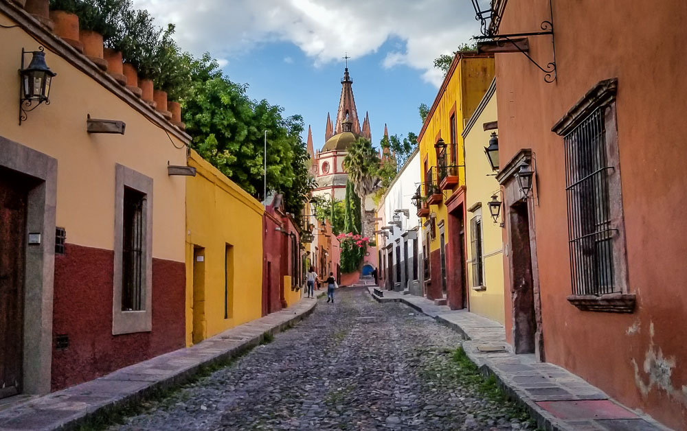 Visit San Miguel de Allende for a Vacation Full of Culture, Cuisine, and Color.