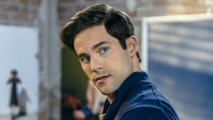Pretty Little Liars Star, Brant Daugherty to Host a FanRoom Live Event Saturday, August 15th