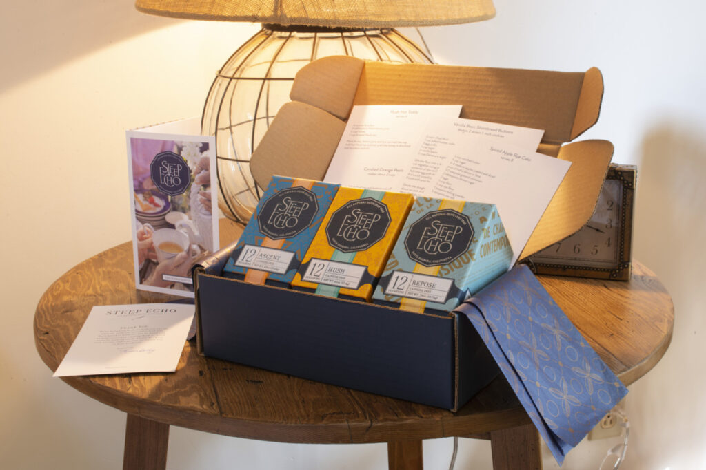 "Steep Echo Tea Debuts ""Home For The Holidays"" Gift Box"
