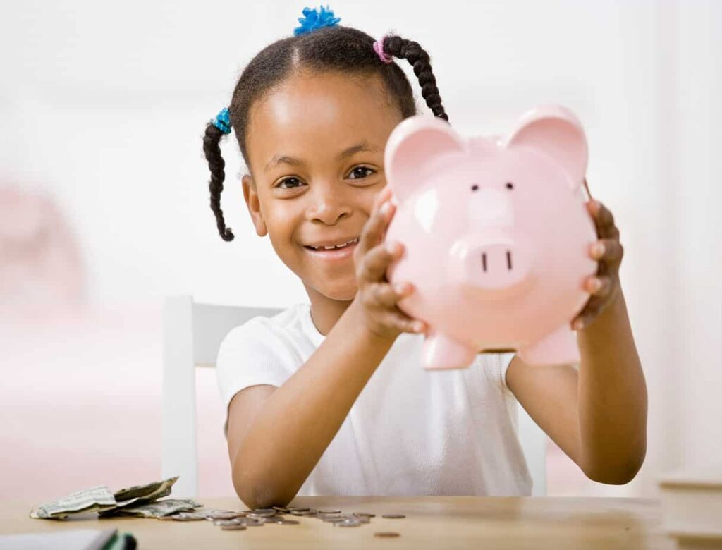 TEACHING KIDS ABOUT MONEY BASICS USING CHASE DIGITAL TOOLS WITH EVETTE RIOS